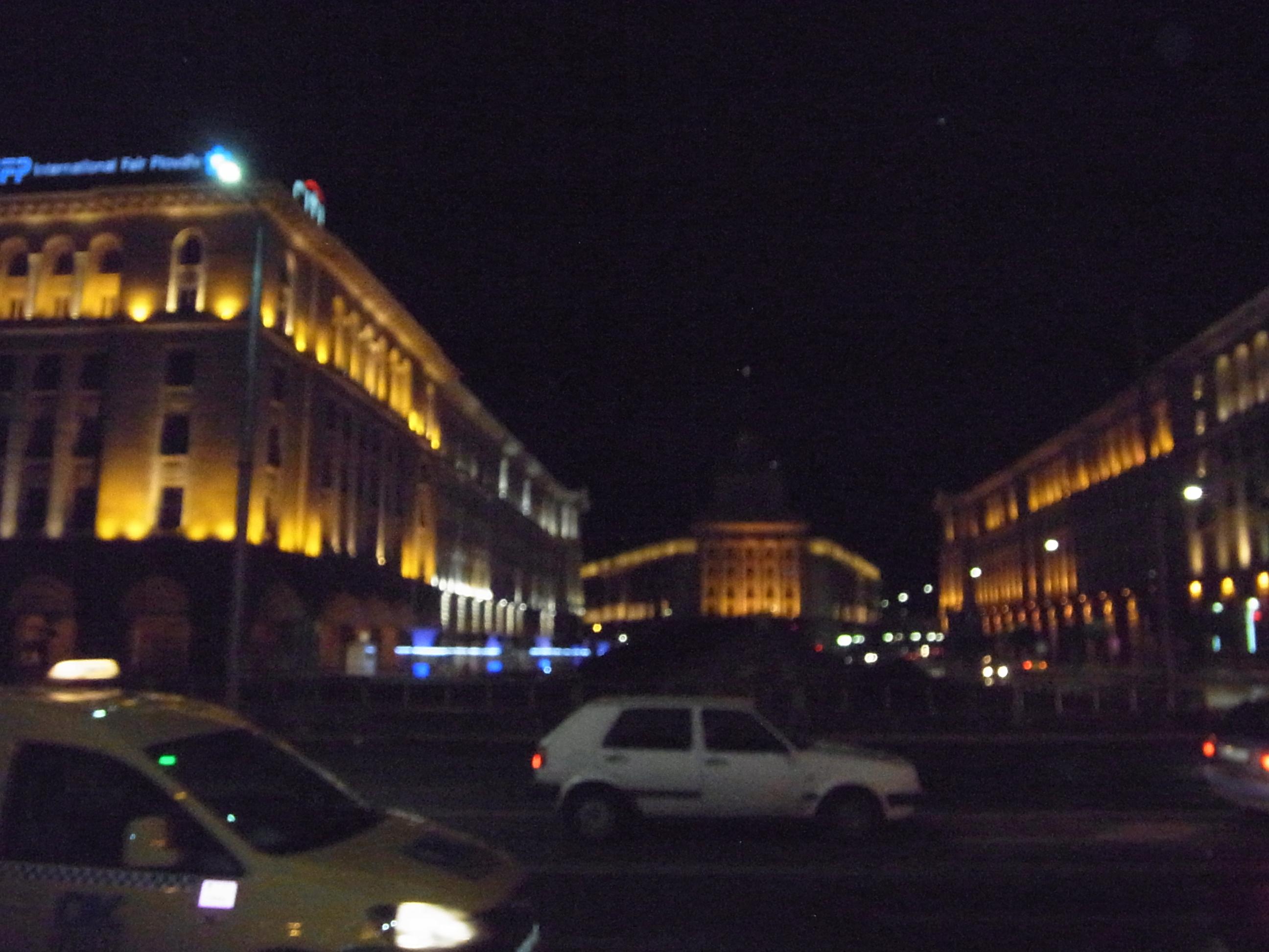 Sofia auf die Schnelle (links das Taxi)